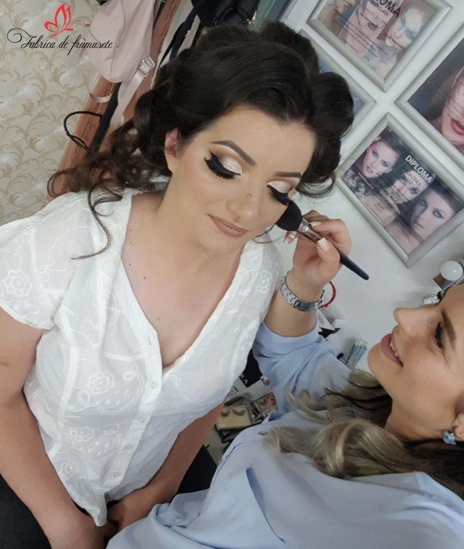 0 makeup machiaj macheaj machiat scoala de make up make up artist salon Campina coafor 1