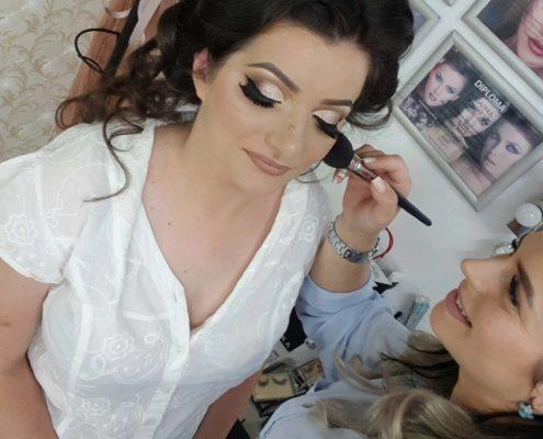 0 makeup machiaj macheaj machiat scoala de make up make up artist salon Campina coafor