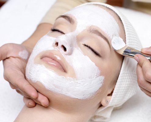 1 tratament cosmetic tratament gerovital peeling facial tratament acnee masca fata salon Campina coafor