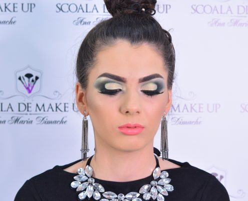 28 makeup machiaj macheaj machiat scoala de make up make up artist salon Campina coafor