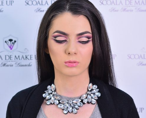 32 makeup machiaj macheaj machiat scoala de make up make up artist salon Campina coafor