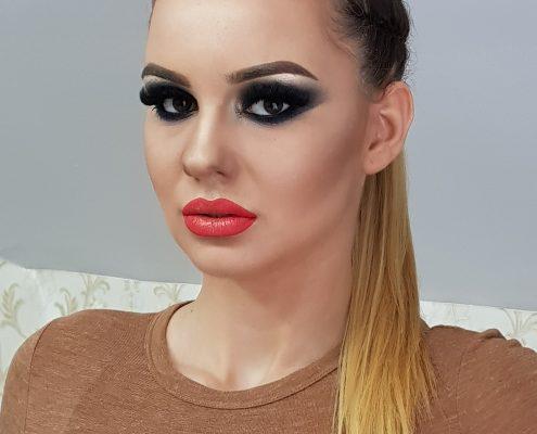 36 makeup machiaj macheaj machiat scoala de make up make up artist salon Campina coafor