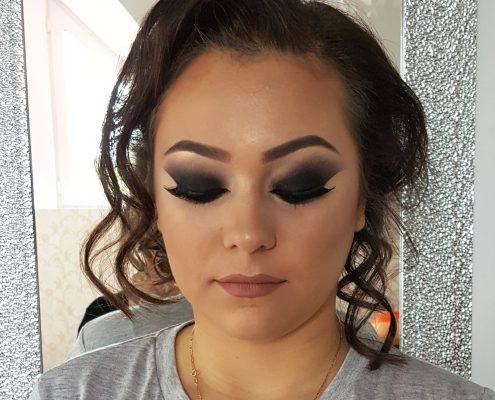 43 makeup machiaj macheaj machiat scoala de make up make up artist salon Campina coafor
