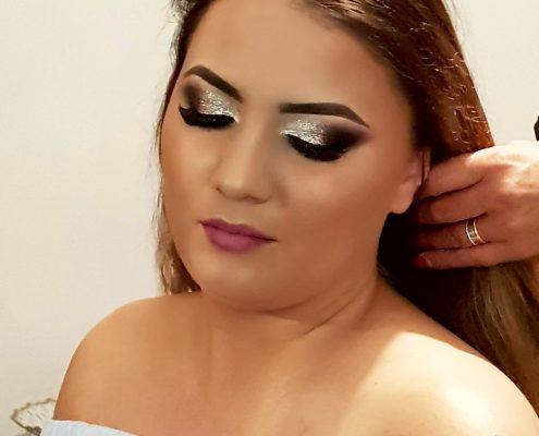 44 makeup machiaj macheaj machiat scoala de make up make up artist salon Campina coafor