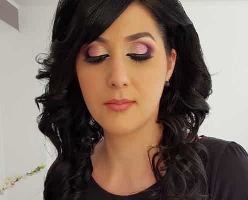 48 makeup machiaj macheaj machiat scoala de make up make up artist salon Campina coafor