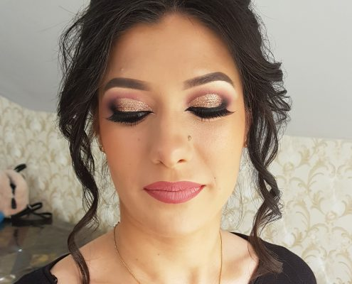 51 makeup machiaj macheaj machiat scoala de make up make up artist salon Campina coafor.
