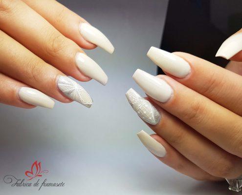 unghii gel unghii tehnice manichiura gel salon Campina coafor 15