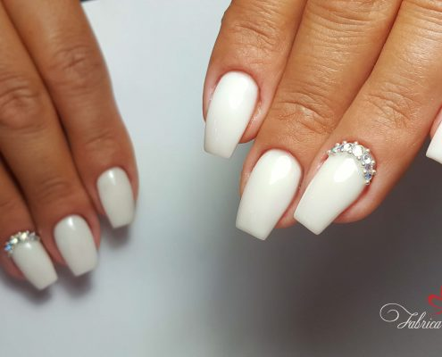 unghii gel unghii tehnice manichiura gel salon Campina coafor 44